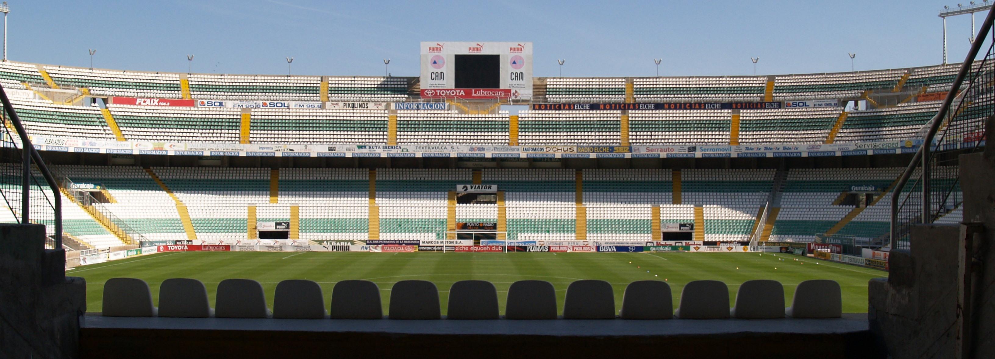 Lonas Gigantes En Estadio