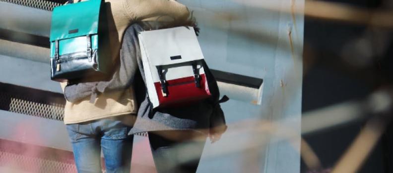 Las mochilas de moda que se hacen con toldos