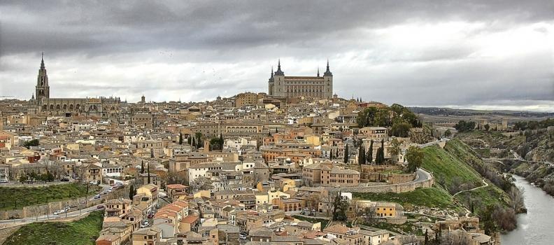 Toledo recupera los toldos destruidos por la tormenta